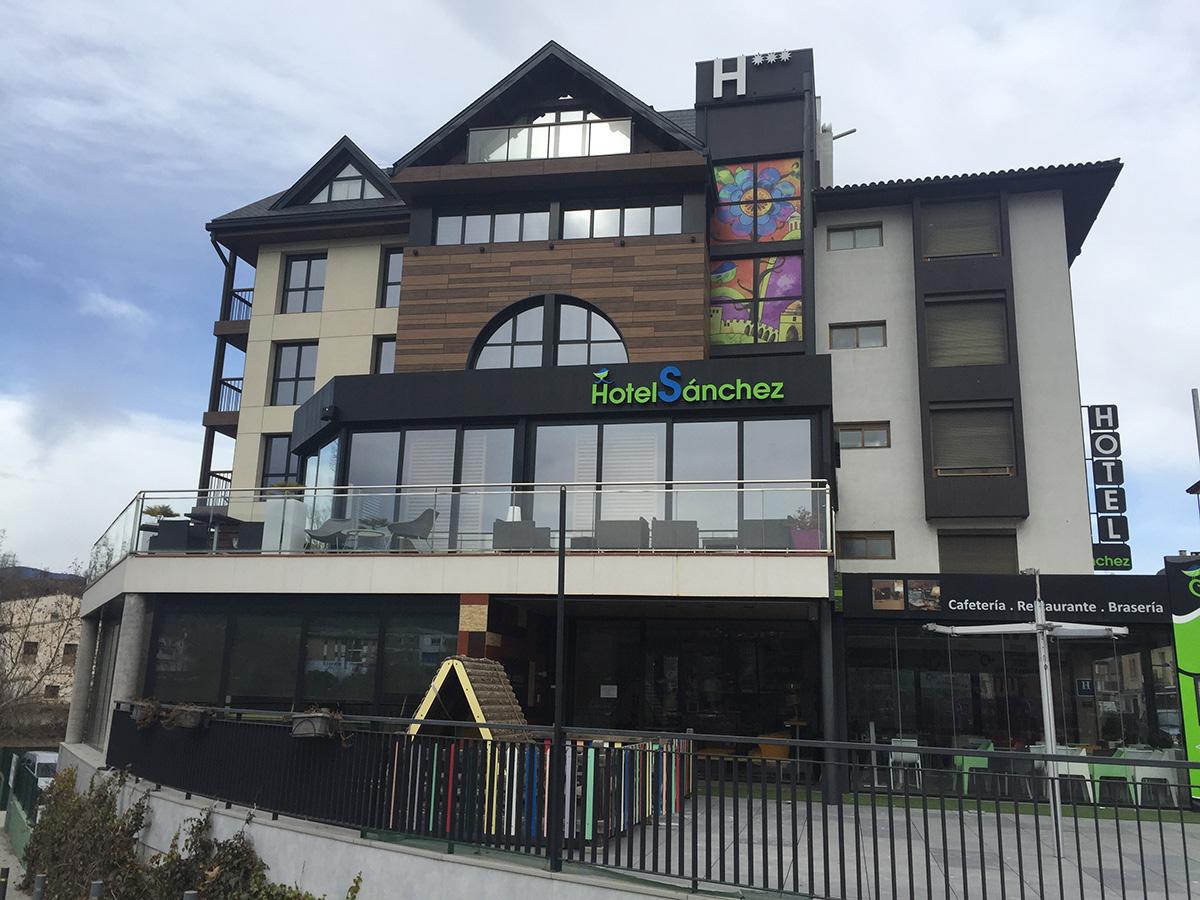 Galeria Hotel Sánchez en Ainsa, Huesca - 1 ?>